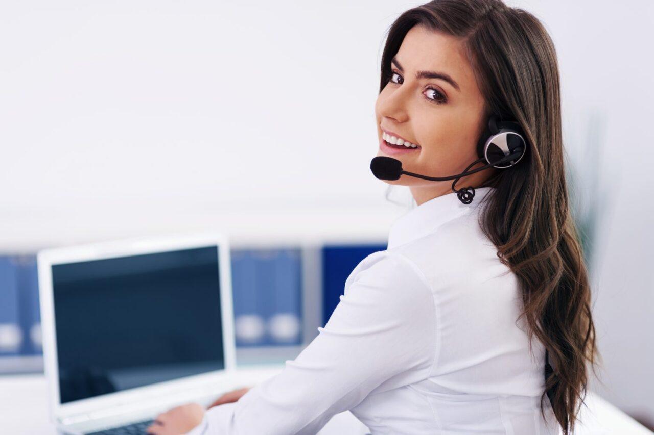 https://24hvirtual.com/wp-content/uploads/2021/03/Happy-Customer-1-1536x1024-1-1280x853.jpg